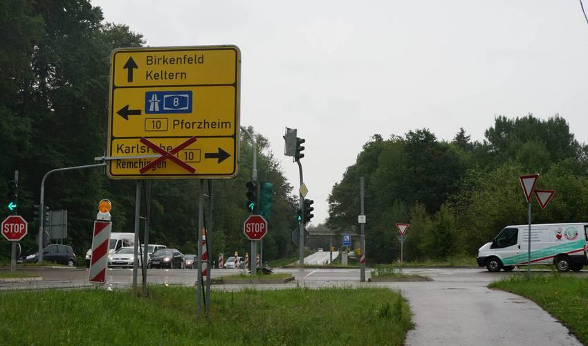 Ersinger Kreuz - nach Remchingen gehts von hier über Keltern.