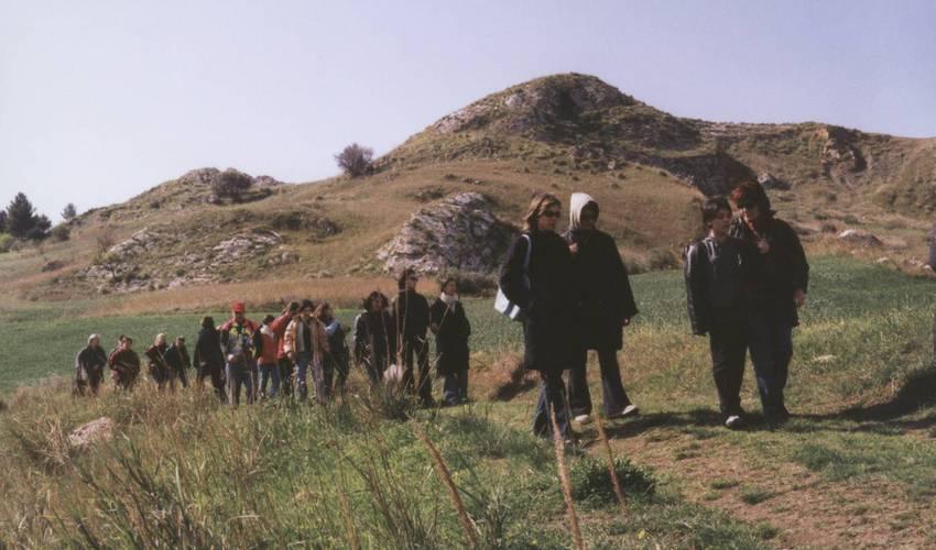 Wer gerne wandert, ist in der hügeligen Region um San Biagio Platani genau richtig. Aber auch das Mittelmeer ist nicht weit entfernt und sorgt für eine erfrischende Abkühlung. Foto: Partnerschaftsverein