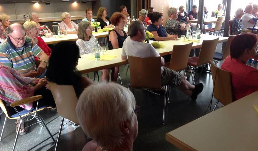 Etwa 40 Zuhörer in der Diakoniestation Ellmendingen